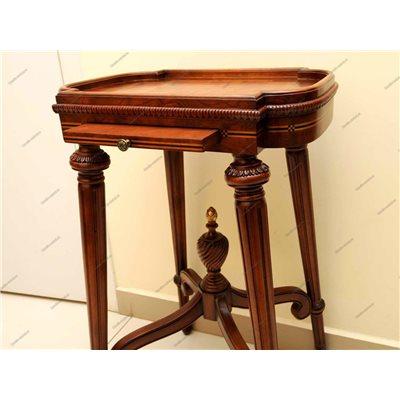 Телефонный столик