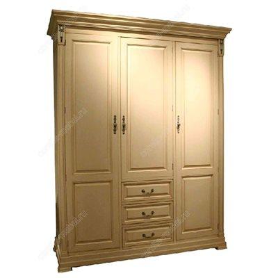 Платяной шкаф трехдверный