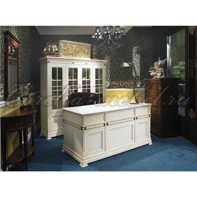 Письменный стол для кабинета